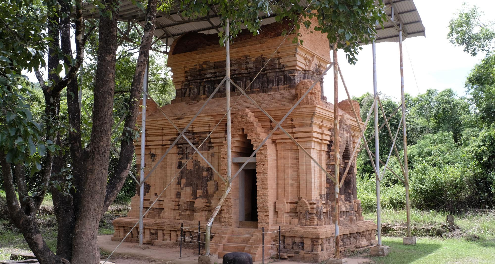 reise-ansichten My Son restaurierter Tempel