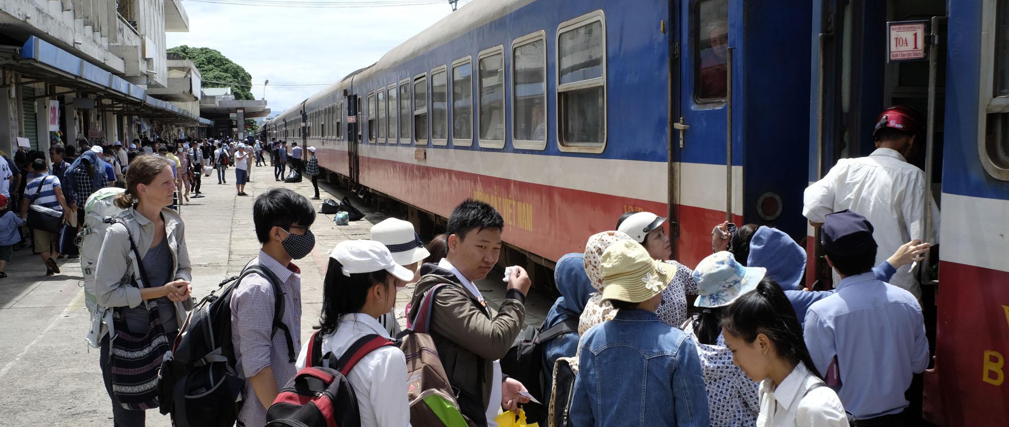 reise-ansichten Bahnfahrten Vietnam
