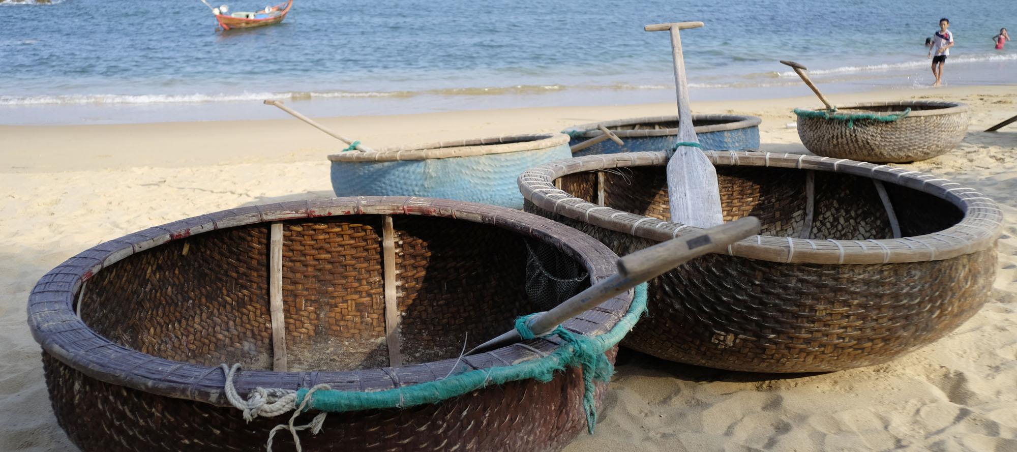 reise-ansichten Rundboote Vietnam