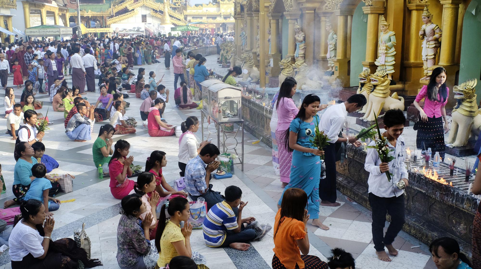 reise-ansichten Shwedagon Thadingyut