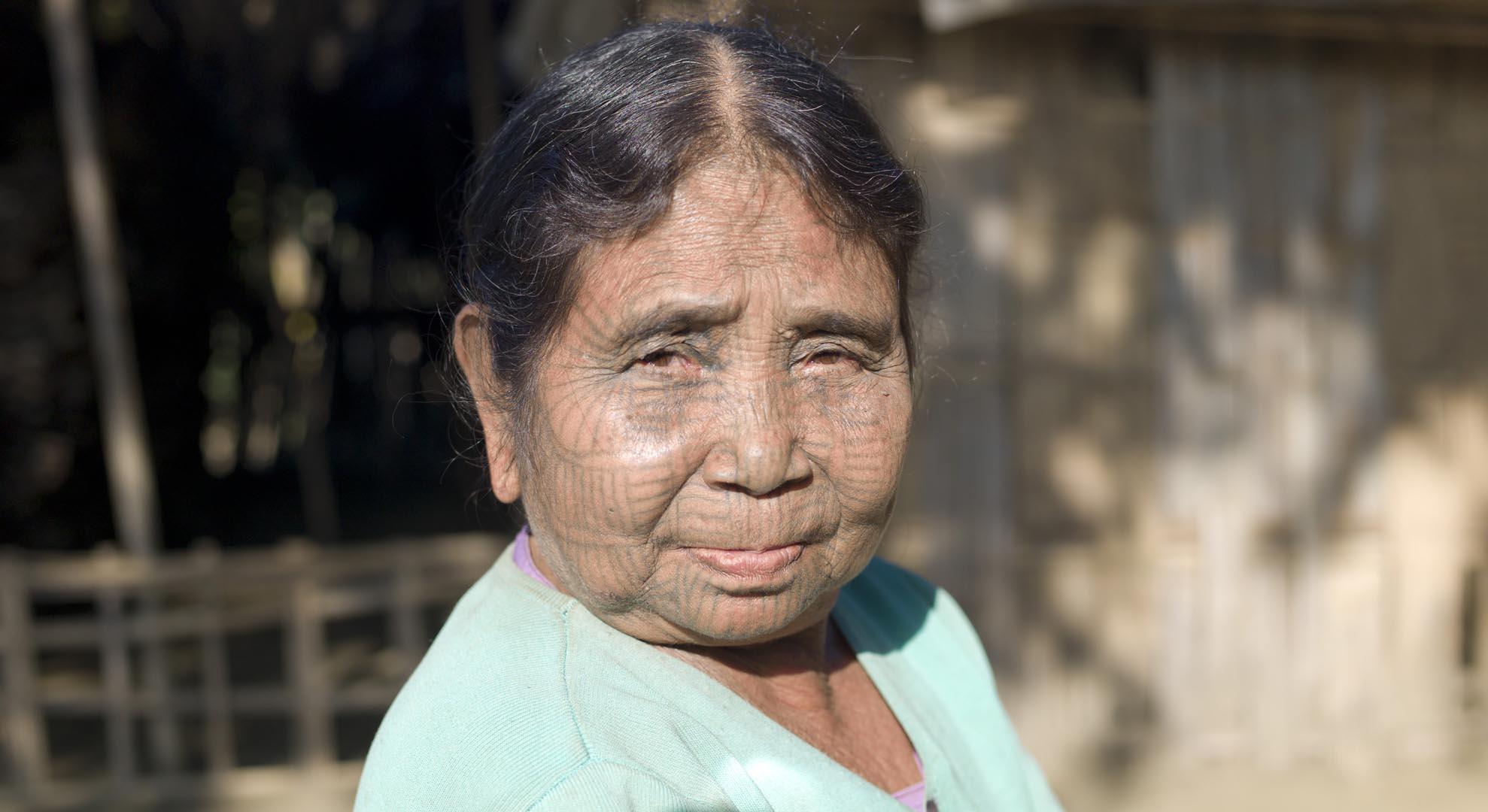 reise-ansichten.de Chin Frau