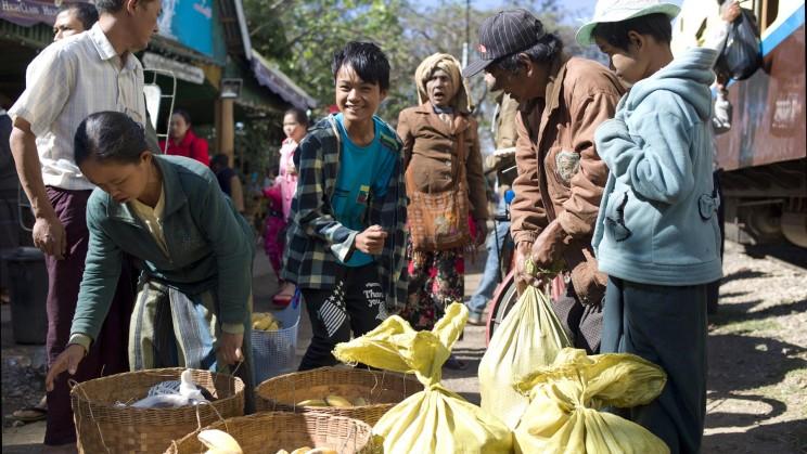 reise-ansichten myanmar bahn