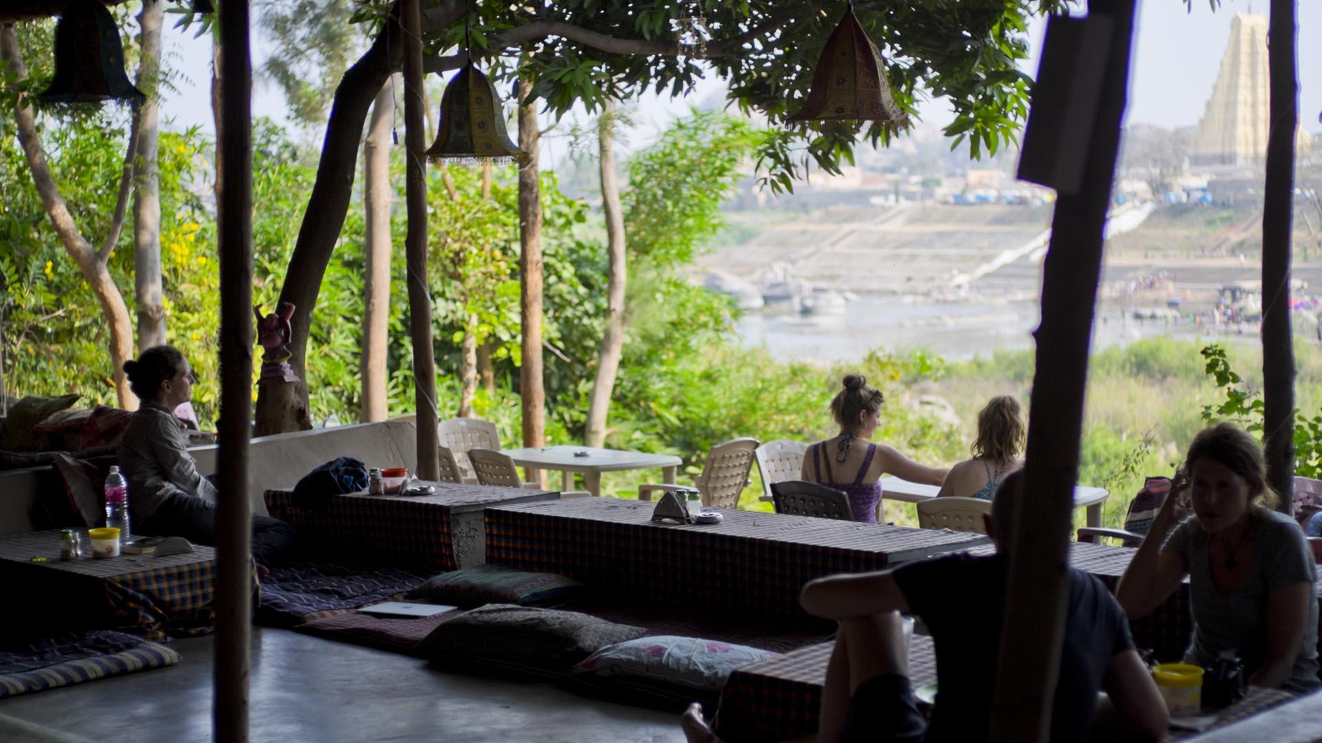 reise-ansichten laughing buddha hampi